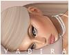 Y| Beatriz Blonde