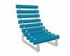 chaise bleue pose calin