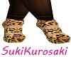 Leopard heels+Pink nails