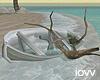 "Iv""Broken boat/Pose"