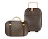 suitcase marrom