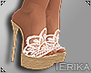 e Karen heels