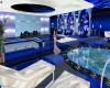 Blue Rose Reflect Room