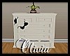 Dresser w/poses - Ivory