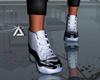 に- Sneakers