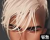 害羞. Jason Blond